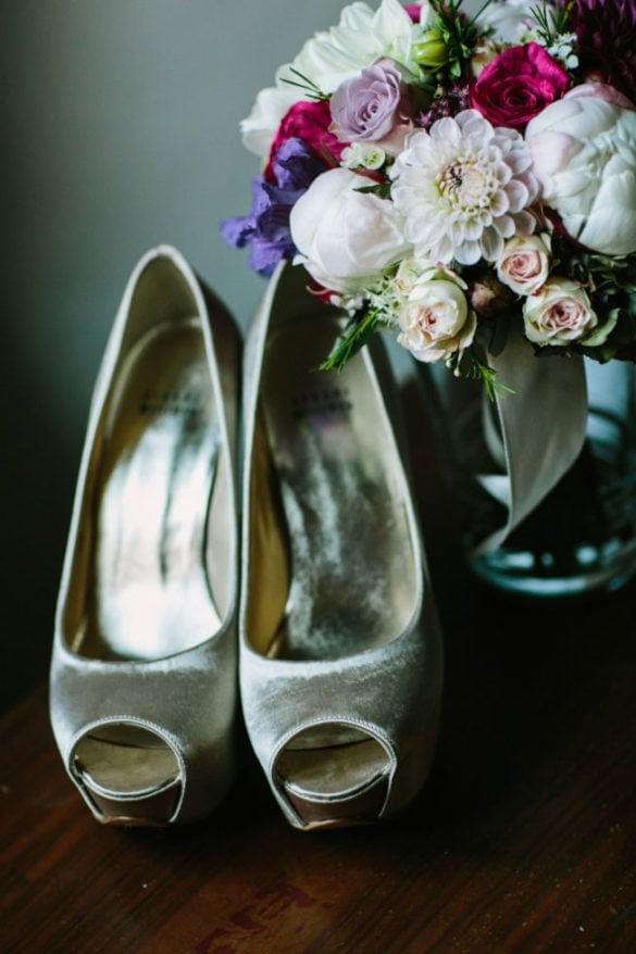 Brautshuhe und Brautsstraus