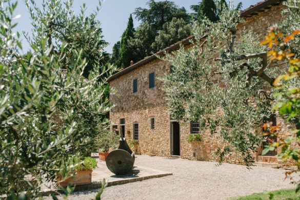 Prachtige wijn en olijfolie producerende borgo in het hart van de Chianti Classico.