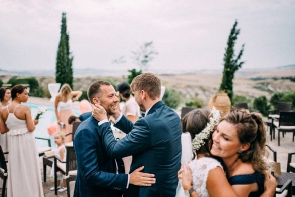 Congratulations by wedding guests to spouses