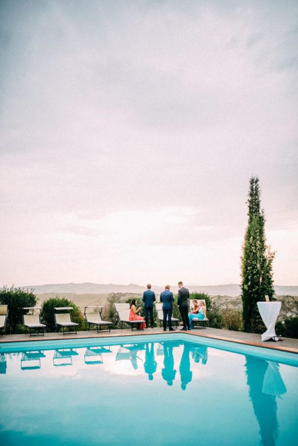 Pool side wedding aperitif in scenic Val d'Orcia landscape