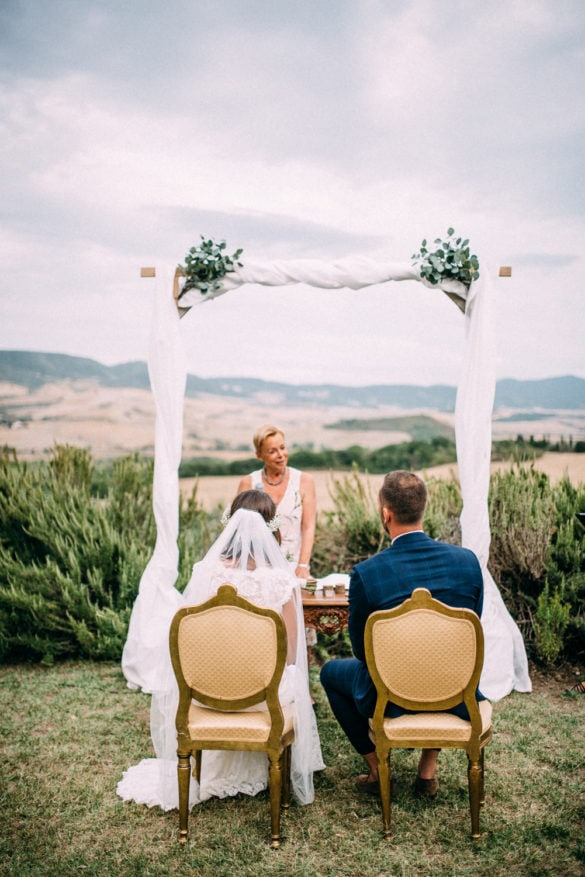 Open air ceremony in Tuscan country side