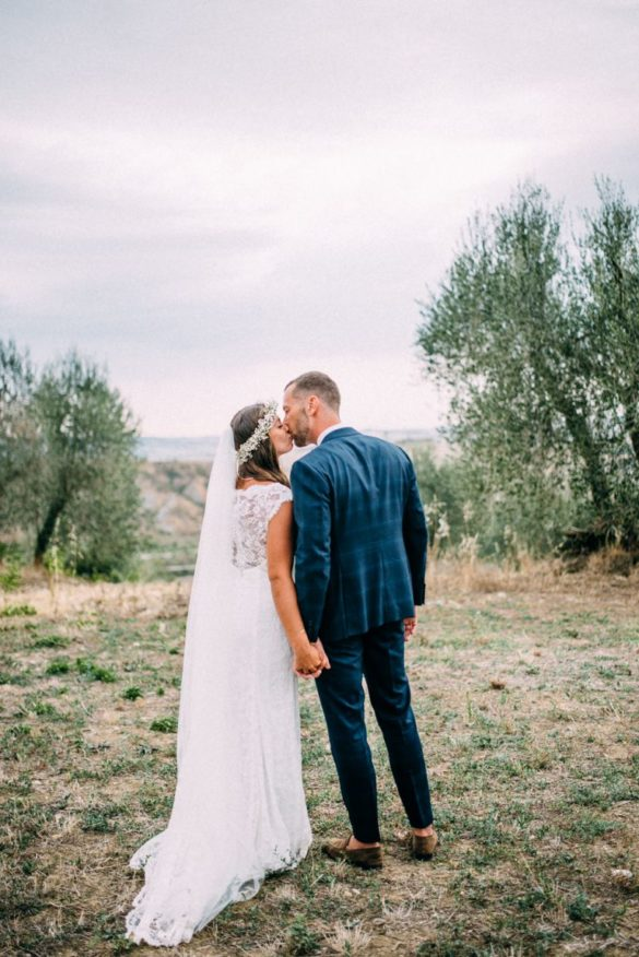 Wedding photo shoot hills Tuscany Crete Senesi