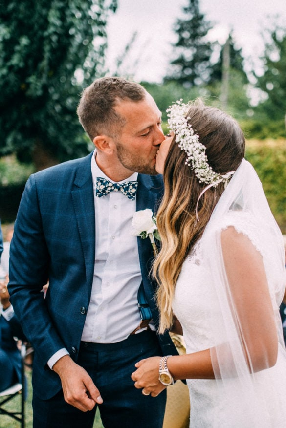 Wedding couple say yes kiss in Tuscany
