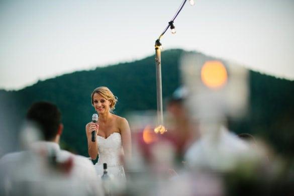 Rede der Braut beim Hochzeitsessen in der Toskana.