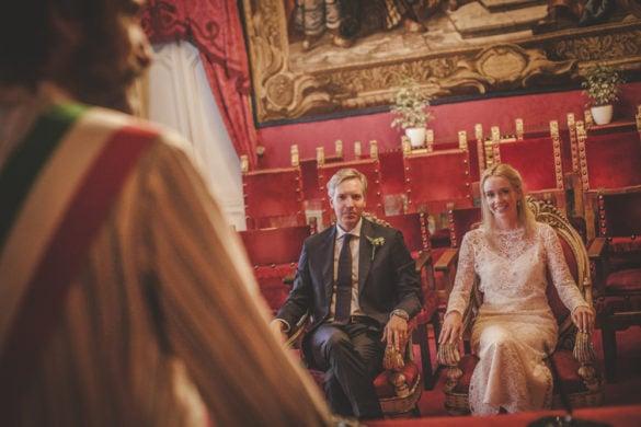 Spouses Sala Rossa Florence civil wedding