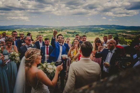 Prachtige religieuze bruiloft in Toscane