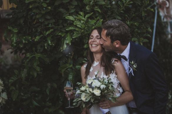 Bräutigam Küste strahlende Braut