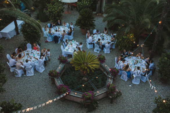 Hochzeitsessen unter freiem Himmel