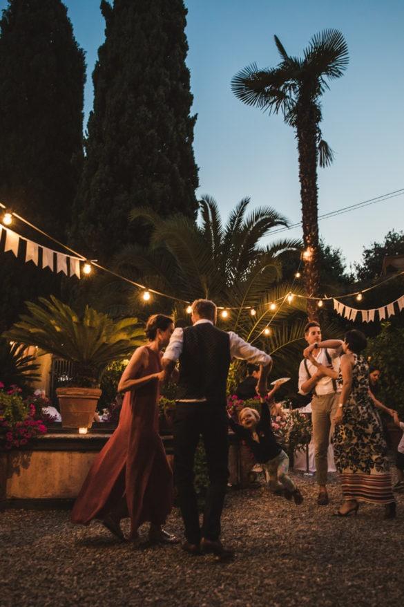 Tanzparty im romantischen Borgo der Toskana