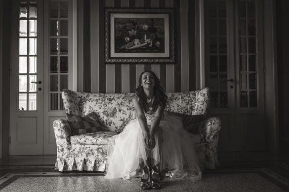 glückliche Braut kurz vor der Abreise