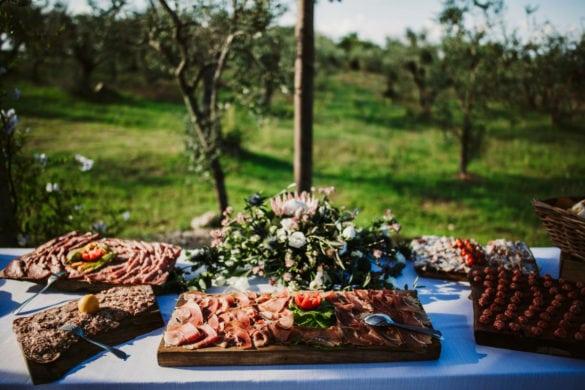 Toskanischer Aperitif Buffet Hochzeit Crostini Fleischwaren